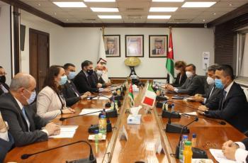 بحث تعزيز التعاون الاقتصادي بين الأردن وايطاليا