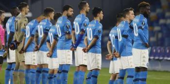 يوروبا ليغ: جميع لاعبي نابولي ارتدوا القميص رقم 10 تكريما لمارادونا