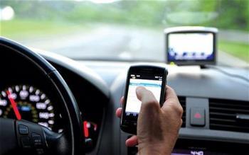 تنظيم الاتصالات: الانشغال بالهاتف يضاعف خطر الحوادث 5 مرات