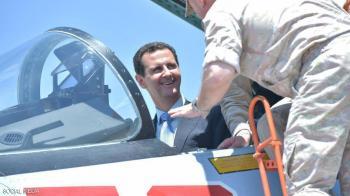 الأسد في حميميم ..  ويتفقد طائرات روسيا الحربية