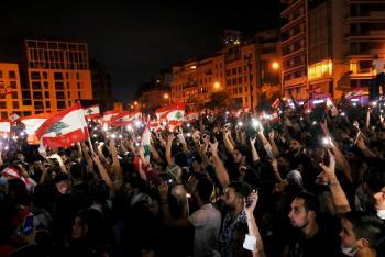 لبنان: جرحى مدنيون وعسكريون في تحركات شعبية احتجاجية ليلية
