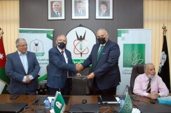 القاهرة عمان يجدد اتفاقية اصدار البطاقات الجامعية الذكية مع جامعة اليرموك