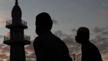 جائحة كورونا تفرض وسائل وأساليب جديدة للتهنئة بالعيد