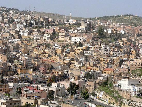 بلدية السلط تستمر بتقديم الخدمات للمواطنين خلال عطلة العيد