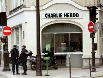 4 إصابات بعملية طعن في العاصمة الفرنسية