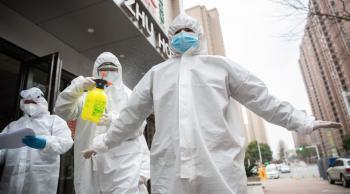 الصين تسجل10 إصابات جديدة بكورونا