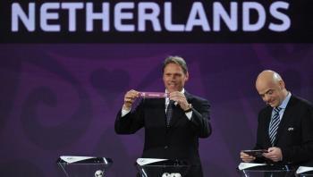 فان باستن يطالب بإلغاء قاعدة التسلل في كرة القدم