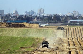 اصابة 3 من جنود الاحتلال باستهداف مركبتهم على الحدود مع غزة
