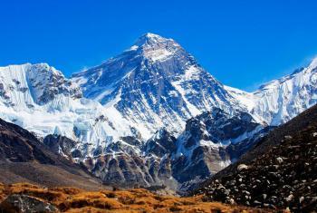 جبل إيفرست ..  ارتفاع جديد لأعلى قمة في العالم