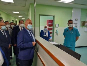 الزريقات والعدوان يزوران مستشفى الزرقاء الحكومي