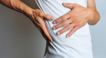 3 أخطاء تجنبها لتقليل ألم البطن لمرضى القولون العصبى