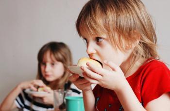 10 حلول عملية لرفض طفلك تناول الخضراوات والفاكهة