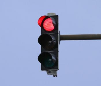 ضبط 2650 مخالفة لقطع الاشارة الضوئية