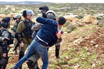 عشرات الاصابات خلال مواجهات مع الاحتلال الاسرائيلي جنوب نابلس