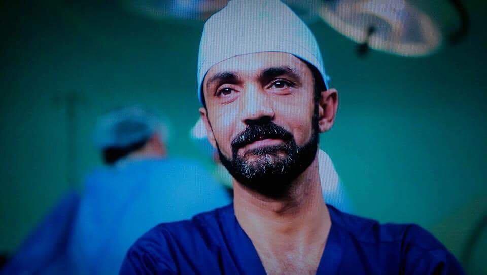 طبيب عظام أردني مشهور يعرض نفسه على شركات التوظيف ..  لكن ما هو شرطه؟