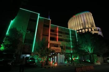 السياحة تضيء مبناها ومواقع أثرية احتفالا بمئوية الدولة ويوم عمان