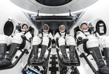كبسولة ناسا سبايس إكس تعود إلى الأرض