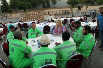 افطار لتكريم عمال الوطن في عمان (صور)