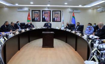 وزير الداخلية يترأس اجتماعا لبحث دخول الاشخاص والبضائع عبر المعابر الحدودية