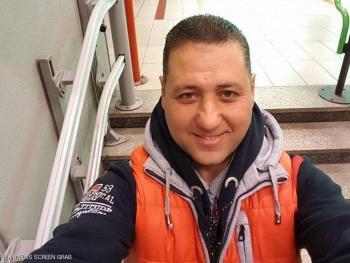 حكاية شاب مصري في إيطاليا ..  أمانته تثير تقدير الجميع