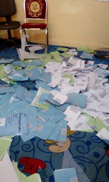 اعتداء على صناديق اقتراع في الموقر (صورة، فيديو)