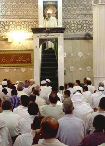 مساجد لم تتقيد بتعميم الأوقاف