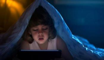 طفلك يسهر؟ ..  نصائح لتشجيعه على النوم في الوقت المحدد