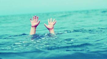 وفاة طفل واصابة شقيقه غرقا في البحر الميت