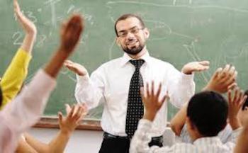 معلمون يشتكون الزامهم بتدريس مواد بعيدة عن تخصصهم