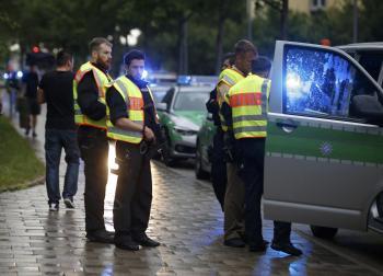 ألمانيا: لا علاقة لمهاجم ميونيخ بداعش أو اللاجئين