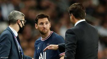 ميسي غاضب ..  وبوكيتينو يبرر قراره: أنا المدرب