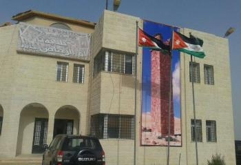 بلدية أم الرصاص تواصل فتح الطرق المغلقة