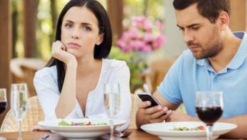 إشارات تدل على أن زوجك يثق بك