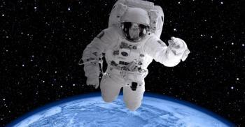 رائد فضاء يكشف كيف سيتعامل مع المخلوقات الفضائية