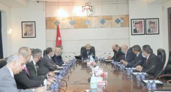 نائب رئيس الوزراء يلتقي رئيس مجلس الخدمة العامة العراقي