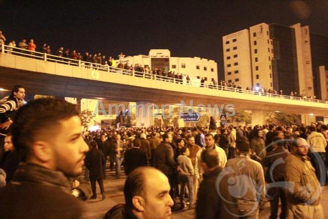 الأردن اعتصام الداخلية بالمياه الهروات big20121114528RN460.jpeg