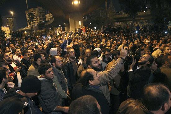 الأردن اعتصام الداخلية بالمياه الهروات big20121114914RN655.jpeg