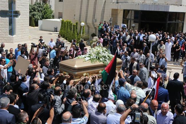 جثمان طارق عزيز يوارى الثرى big2015613182RN93.jpeg