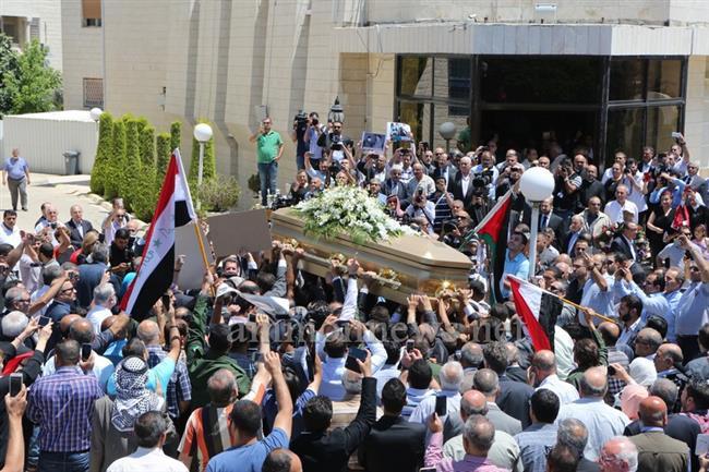 جثمان طارق عزيز يوارى الثرى big2015613183RN41.jpeg