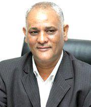 عامر المصري