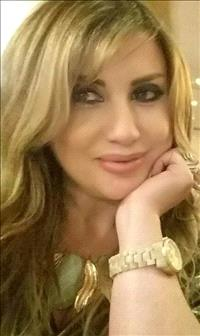الشاعرة اللبنانية فلورا قازان